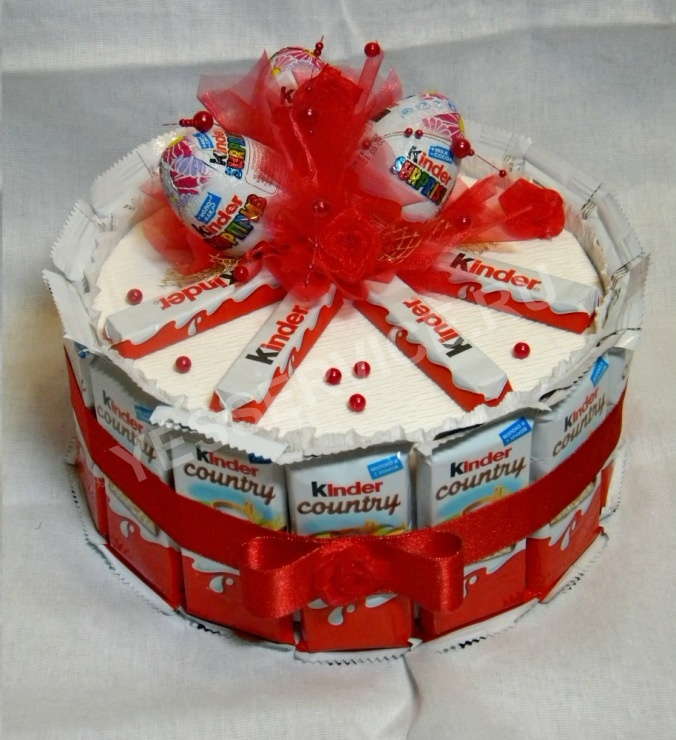 Торт с конфетами своими руками на день рождения